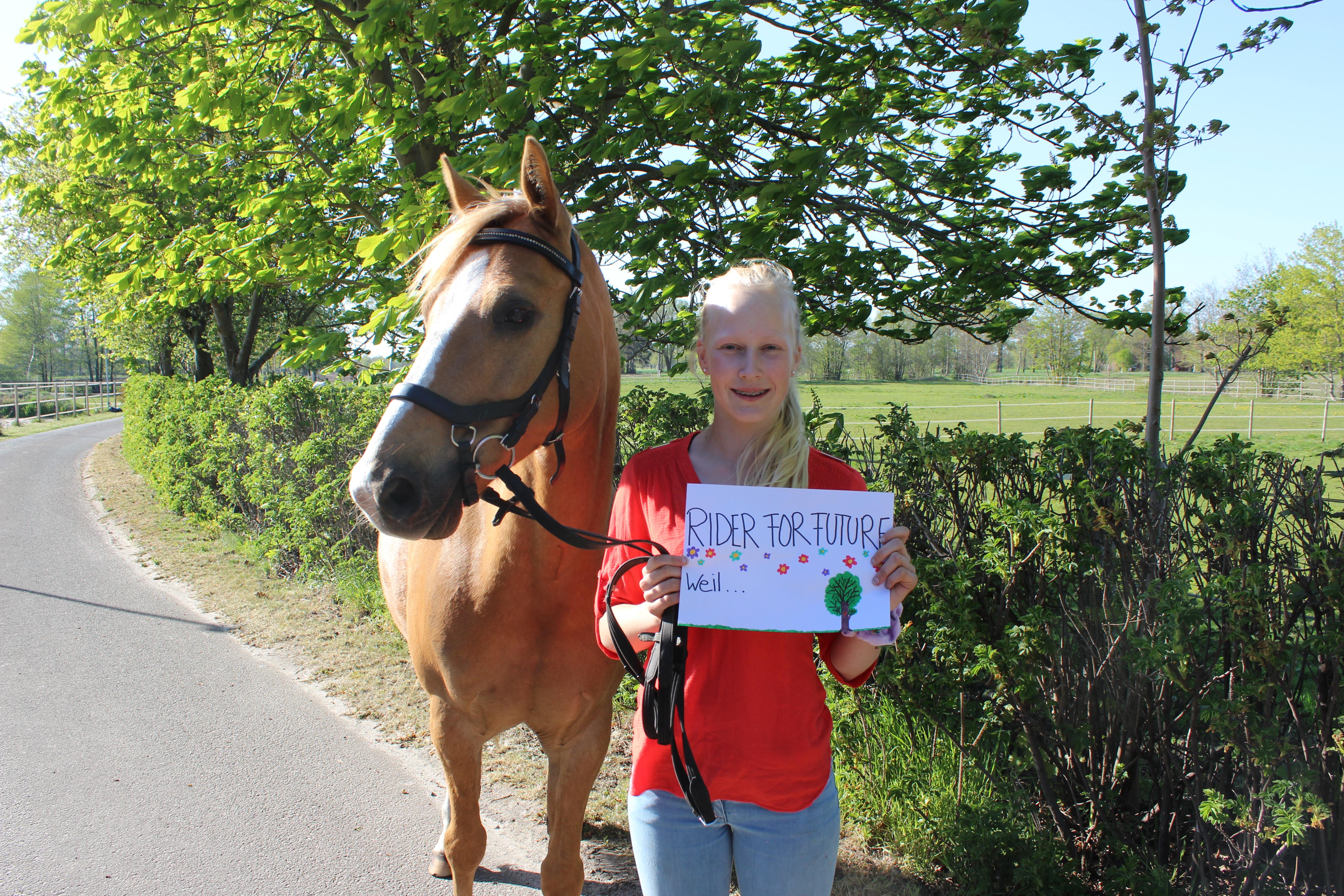 Das ist Emily Thümmel. Sie hat Riders for Future gegründet.